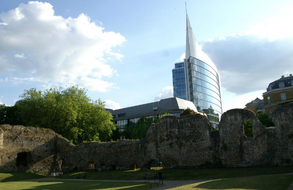 View of The Blade from Reading Abbey (David Merrett/CC BY 2.0)