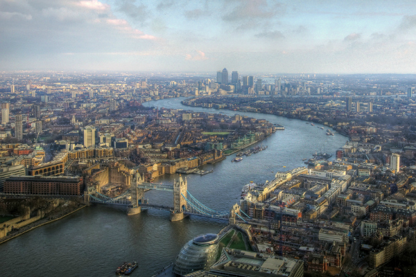 Aerial view of the Thames (mariusz kluzniak/CC BY-NC-ND 2.0)